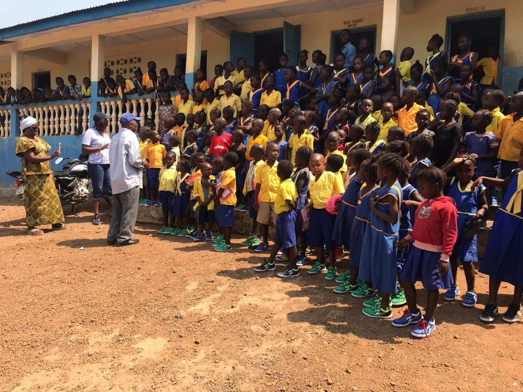The children from the school in Heremakono are happy with their new shoes